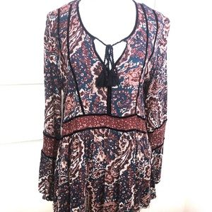 American Eagle Outfitter Boho Tie Front Blouse